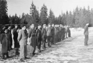 Jüdische Rekruten beim Morgenapell in Geretsried | Jewish recruits at morning roll call in Geretsried